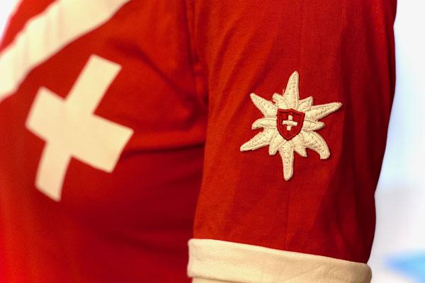 Patrouille Suisse Shirt mit Edelweiss Sticker