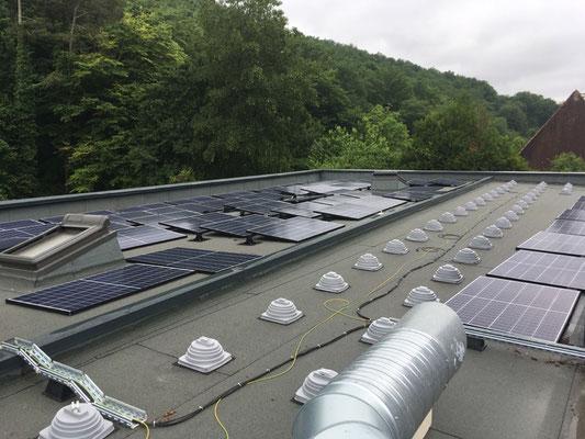 Panneaux photovoltaïques sur le pôle administratif