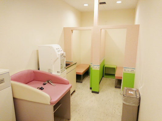 1階 授乳室全景