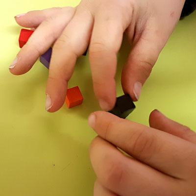 Gezielte Beobachtungen, Feinmotoriktraining Praxis für Kinder Ergotherapie Julie Dehay, -Ergotherapie Stein am Rhein