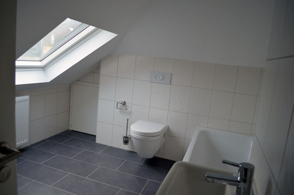 Immobilie in Ennepetal, Maisonettewohnung, Eigentumswohnung, Badezimmer im Dachgeschoss