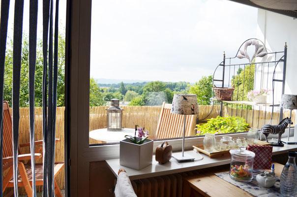 Immobilie, Eigentumswohnung, Wuppertal, Barmen, Hatzfeld, Wohnzimmer, Blick zum Balkon