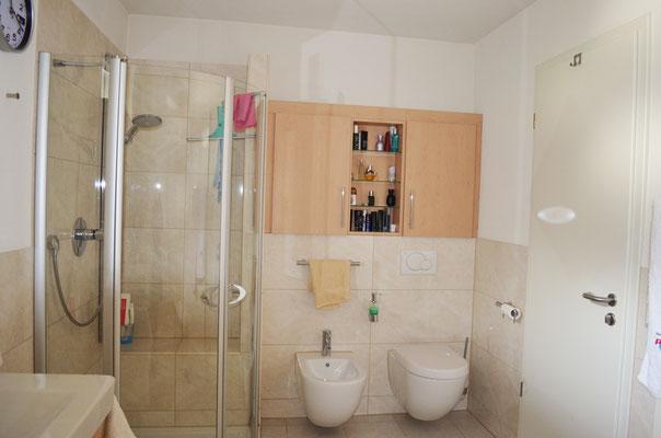 Immobilie in Wülfrath, Bungalow, Reihenmittelhaus, Badezimmer, Lehmputz