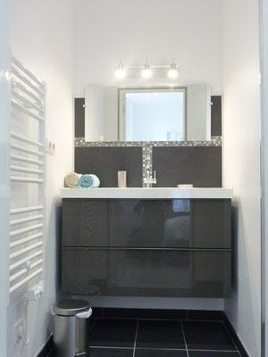 Salle de bains design - l'Appart'Thermal Vittel
