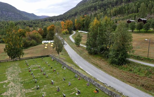 utsikt fra Atrå kirketårnet mot prestegård