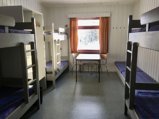 6- Bett Zimmer