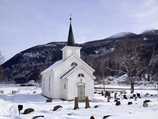 #kvitekyrkjer Mæl kirke vinter