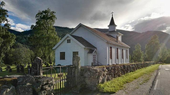 #kvitekyrkjer Atrå kirke sommer