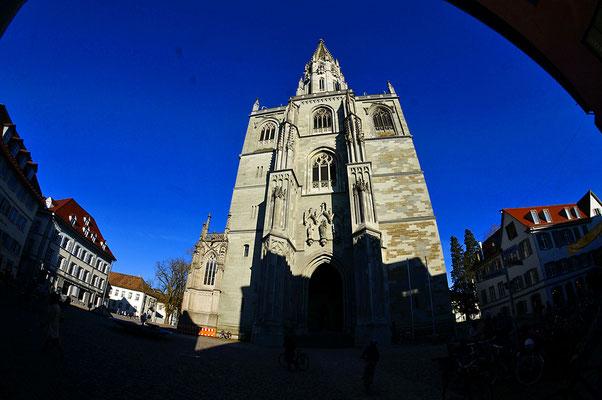 Konstanz に戻り、ミュンスターの塔に上る(小坂は何と32年ぶり。命がけ)