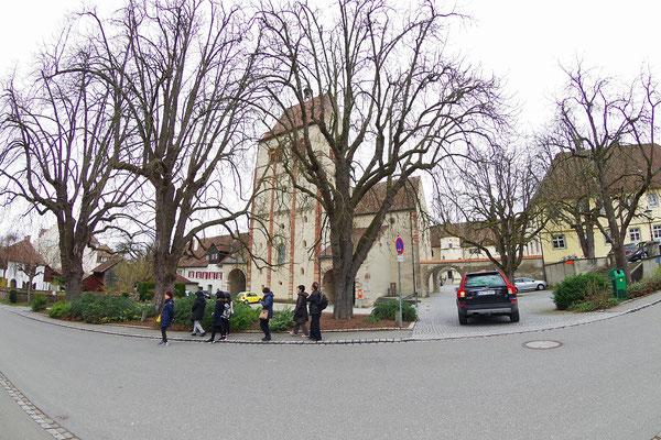 Reichenau。さあ、散歩の開始だ!写真の中央にあるのは聖マリア・マルクス教会。その右うしろが修道院