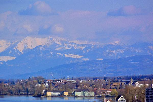 塔の上から見るアルプス山系(迫力ある絶景)