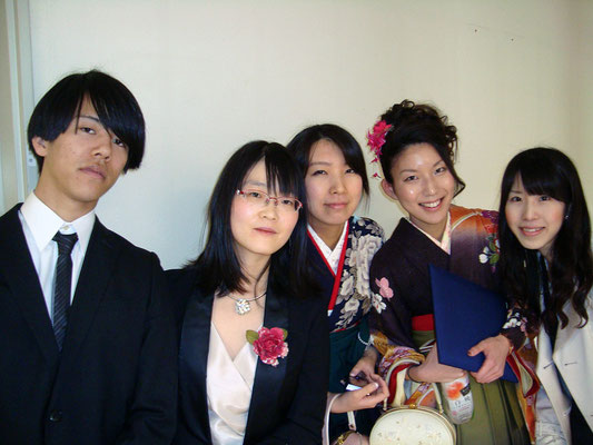 2013年3月。卒業式の日(この写真は無許可掲載)