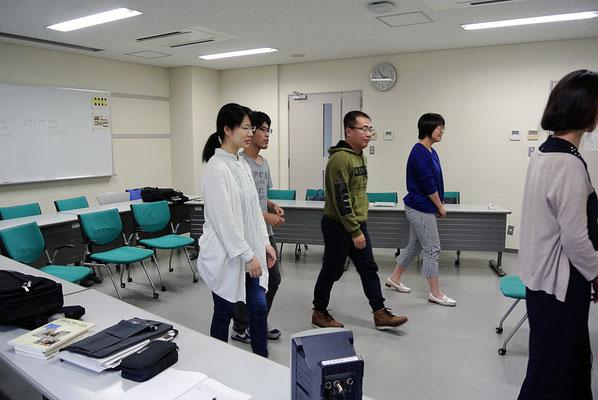 2018年度前期 授業風景-TPR(全身反応教授法)(02.05.2018)