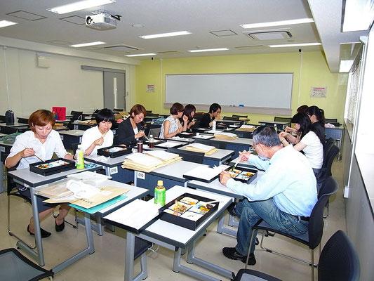 2010年春(名大全学教育棟本館中央棟)