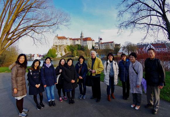Sigmaringen 城をバックに(1)