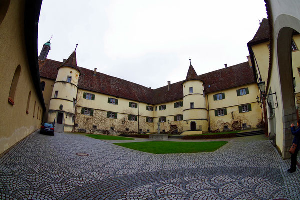 Reichenau。 聖マリア・マルクス教会の修道院。島の中央にある