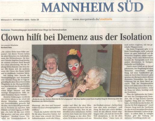 Presseartikel aus dem Mannheimer Morgen über die therapeutische Clownin Angelina Haug die in Pflegeheimen arbeitet, mit freundlicher Genehmigung des Mannheimer Morgens