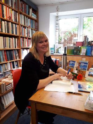 Signierstunde in der Buchhandlung Mahr in Langenau