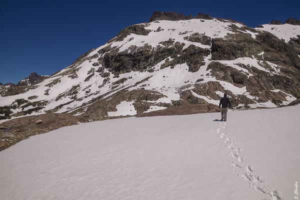 Über Schneefelder zur Laguna de los Témpanos
