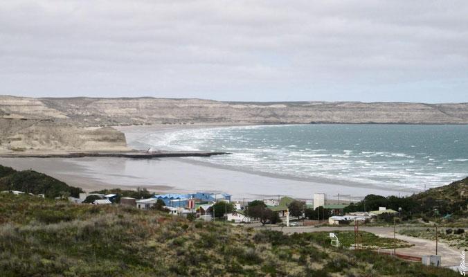 Blick auf Puerto Pirámides, den einzig bewohnten Ort der Peninsula Valdés