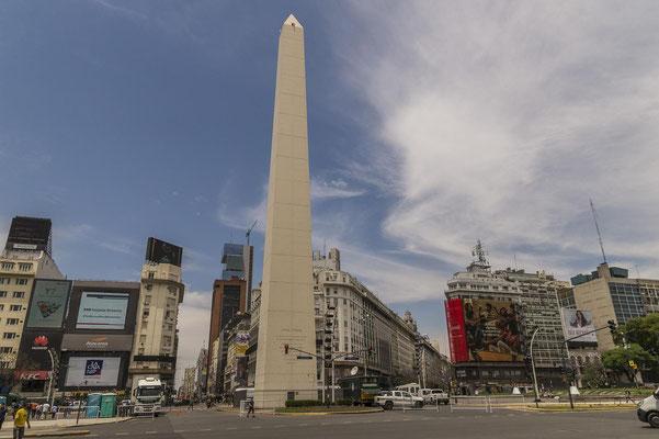 Der Obelisk ist eines der Wahrzeichen von Buenos Aires