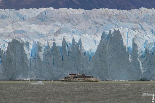 Bootstour entlang des Perito Moreno Gletschers