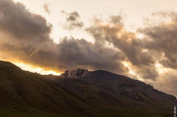 Von den Quellen hat man einen wunderbaren Blick auf den Cerro Campanario