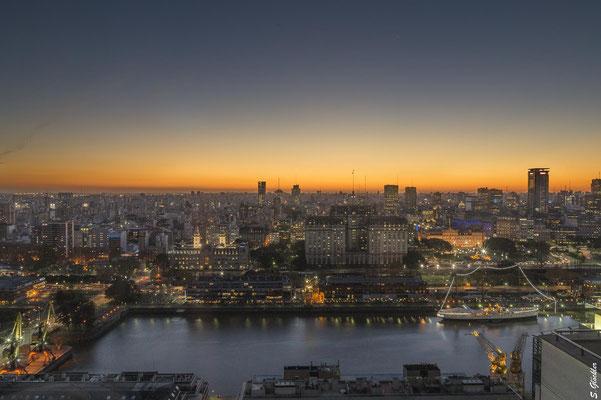 Buenos Aires im Abendlicht
