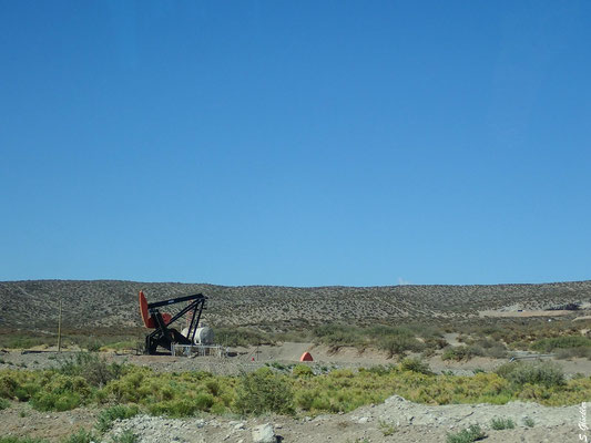 Die Gewinnung von Erdöl war lange Zeit der Hauptwirtschaftzweig im Süden Mendozas.