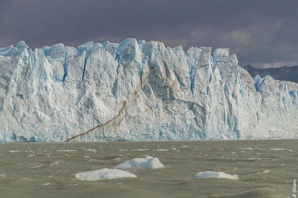 Kalbungsfront des Perito Moreno Gletschers