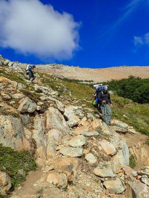 Abstieg vom Cerro Cristal ins Tal