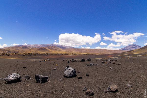 Vulkanische Bomben, beim Ausbruch vor 2,5 Millionen Jahren als Ganzes aus dem Vulkan geschleudert