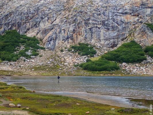 Wassernachschub gibts direkt in der Lagune - eiskalte Füße garantiert!