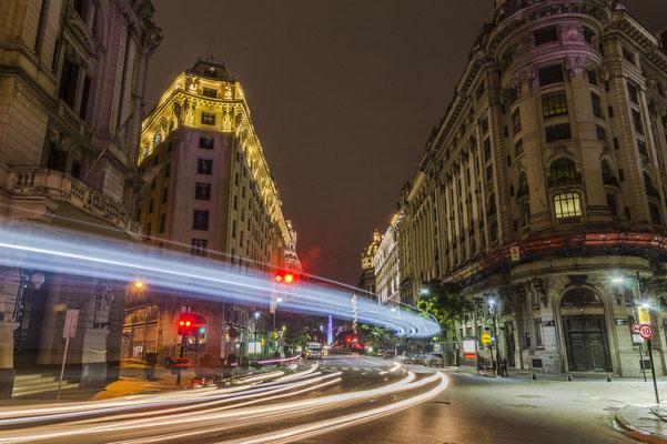Das Zentrum von Buenos Aires bei Nacht