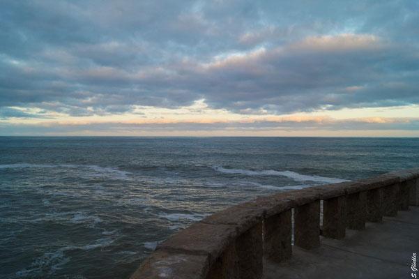 Spaziergang an der Uferpromenade von Mar del Plata