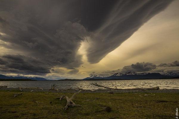 """""""Cielos Patagónicos"""", patagonischer Himmel. Isla Martillo, Feuerland"""