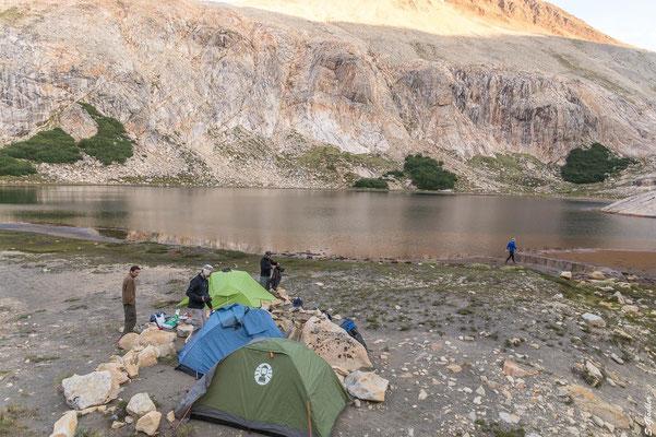 Unser Schlafplatz an der Laguna Cretón, zumindest halbwegs windgeschützt