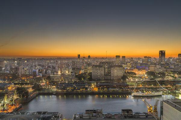 Nach monatelanger Quarantäne erwacht das Leben in der argentinischen Hauptstadt allmählich wieder.