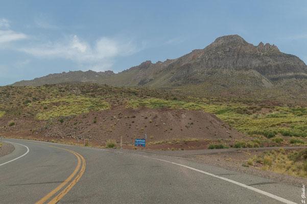 Wir verlassen die PR 145 und biegen rechts auf den Schotterweg zum Cajón Grande ab.