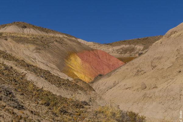 Bunte Berge & Felsen entlang der Ruta 40, Provinz Santa Cruz