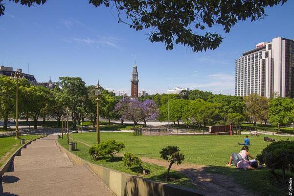 Torre Monumental im Stadtteil Retiro