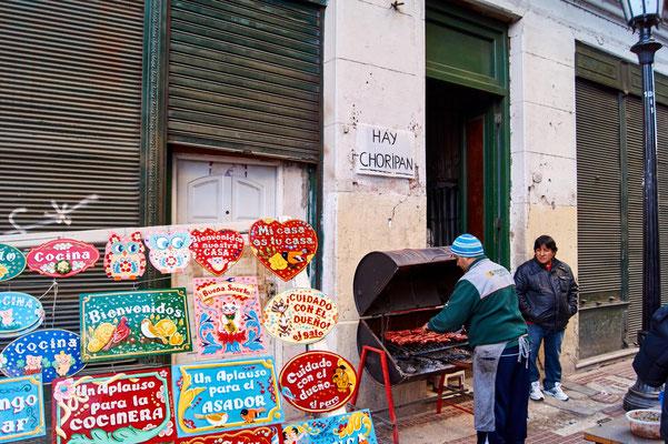Choripán (Chorizo-Wurst im Brötchen) in Buenos Aires