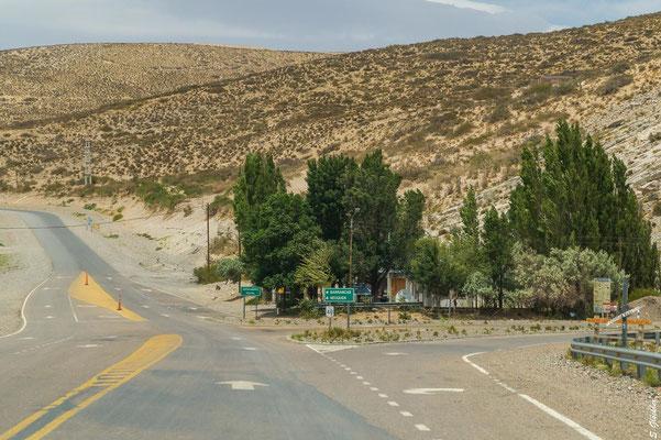 Kurz vor Bardas Blancas rechts abbiegen auf die RP 145...
