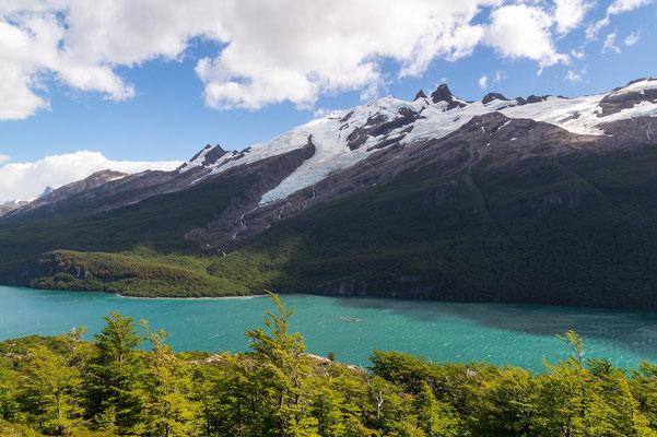 Gletscher auf der anderen Seeseite