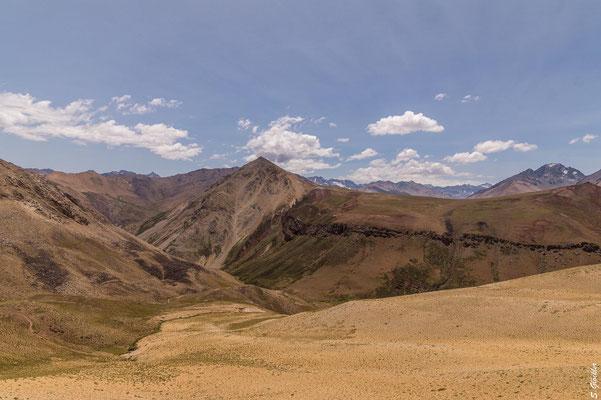 Vom Skiort Las Leñas ins Valle Hermoso