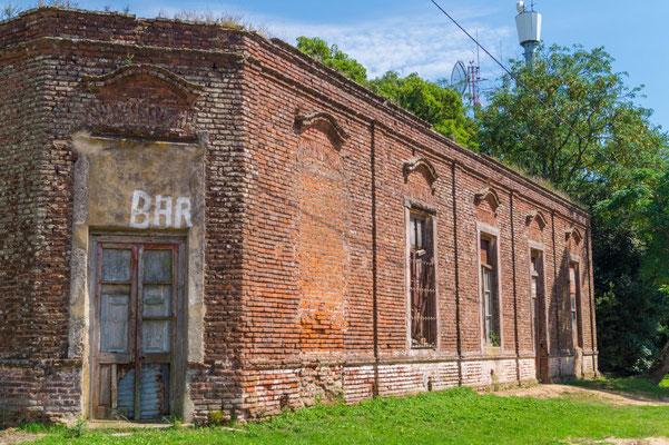 Ehemaliges Hotel, später Bar, Santo Domingo, Provinz Buenos Aires