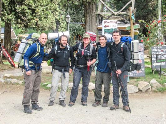Zu fünft machen wir uns auf den Weg, den Nationalpark Nahuel Huapi von Colonia Suiza bis Pampa Linda zu durchwandern.