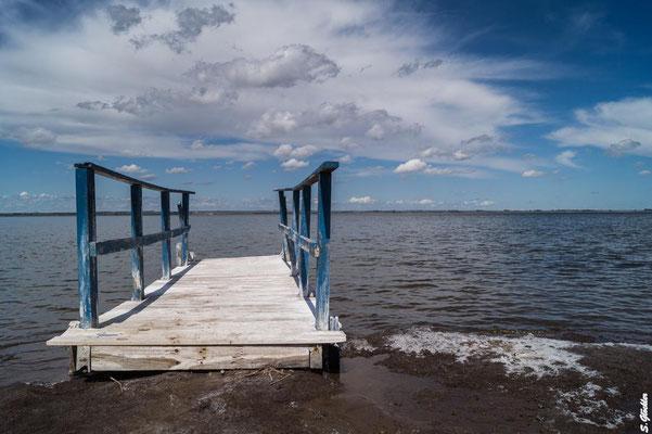 Die Lagune von Epecuén weist einen fast so hohen Salzgehalt wie das Tote Meer auf