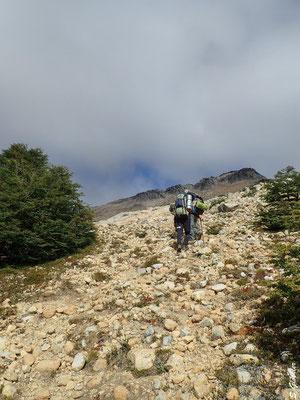 Steiler Anstieg auf den Cerro Cristal