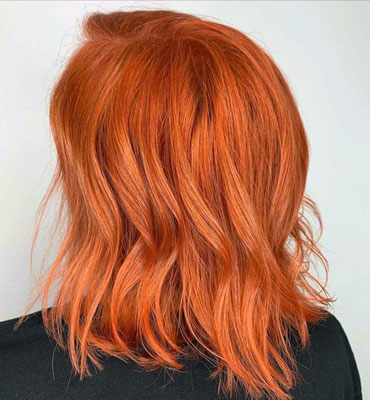 Kräftige, leuchtende Haarfarbe